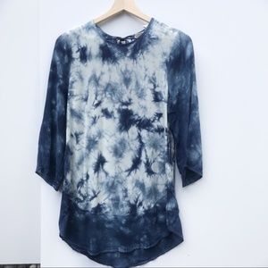Chico's- Blue and white tie dye tunic blouse
